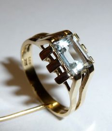 Ring made of 14 kt / 585 gold handmade with approx. 1 ct natural aquamarine **no reserve price**