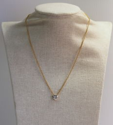 Vintage 18K yellow gold ladies necklace with heart pendant with diamonds ( 0.06 ct total )