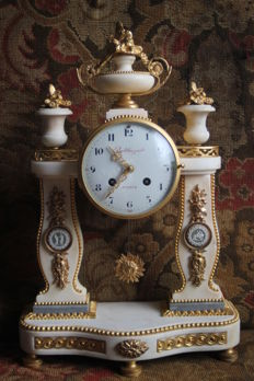 Louis XVI style clock from the reign of Louis XVI – France, watchmaker JEAN-BAPTISTE BALTHAZARD – 18th century
