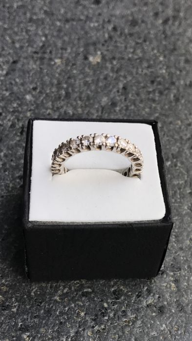 Eternity ring in 18 kt gold with diamonds, 2.40 ct – Size:  16 (IT)