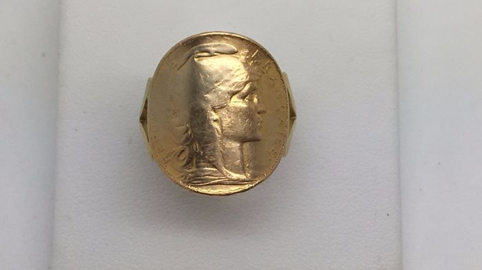 Ring coin holder- 20 Francs Napoleon gold from 1914.