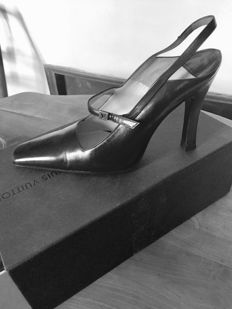Louis Vuitton - black lambskin high heels - no reserve price