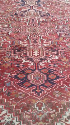 Beautiful antique hand-knotted Persian rug, 388 x 283 cm