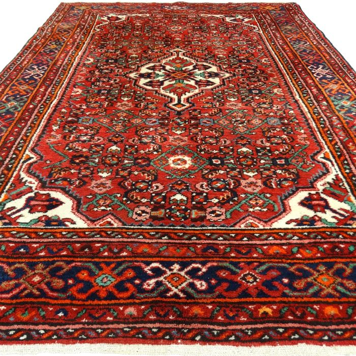 "Hamadan – 229 x 161 cm – ""Persian, richly decorated carpet in wonderful condition"" – With certificate."
