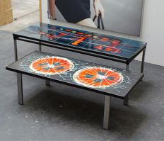 Adri (incl.) – two vintage coffee tables inlaid with a tile tableau