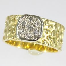 Unisex vintage bicolour gold diamond reptile skin ring