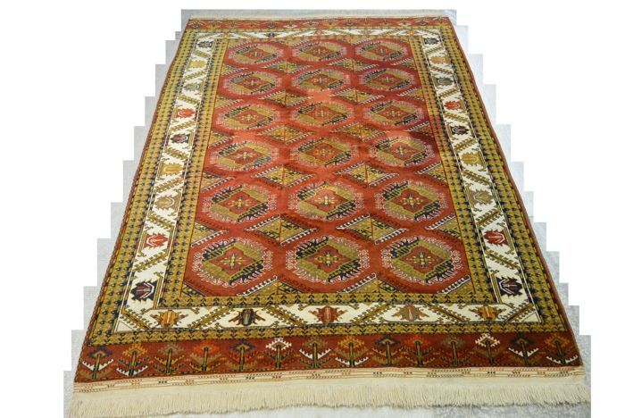 Original high-quality hand-knotted Russian carpet, Yamuth, 277 x 186 cm Middle of the 20th century