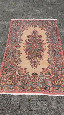 Beautiful hand-knotted Persian Kerman carpet, 151 x 92 cm