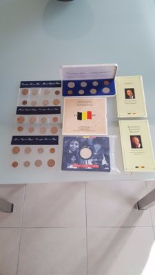 Belgium – Various year packs 1977/1990 (5 pieces) + silver commemorative medals (3 pieces)