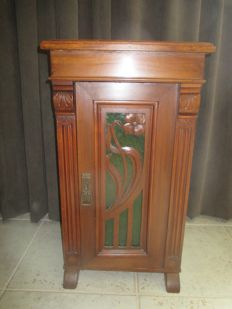 Art Nouveau hall cabinet with green glass door