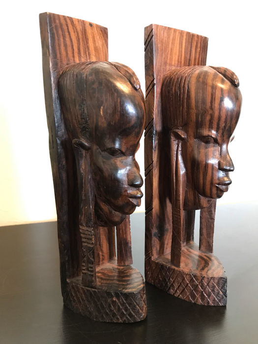 Set of two striped ebony bookends - wood carving - Africa - Tanzania - second half 20th century.