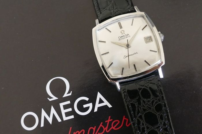 Omega — Seamaster automatic calibre 565 24 jewels — vintage 1965 --- steel