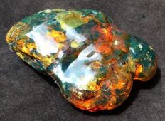 Natural, polished green Mexican amber - 12 x 4 x 4.6cm - 205 g