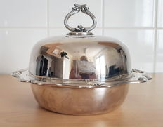 Goldsmiths and Silversmiths Company silver-plated Tureen engraved with White Star Line flag emblem - London - circa 1920