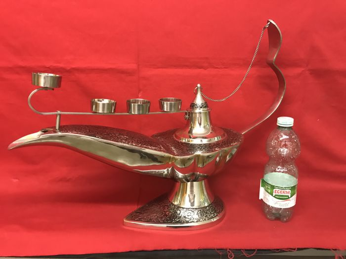 Large Aladdin's lamp with candle holder - solid brass - 5 kg