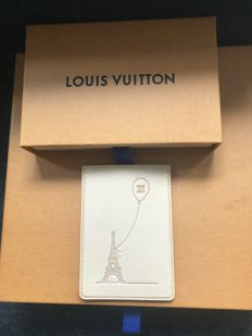 Louis Vuitton - rare Eiffel leather card holder - very hard to find