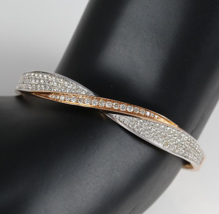 IGI certified Rose Gold Diamond Bracelet with 2.19 ct. Diamonds