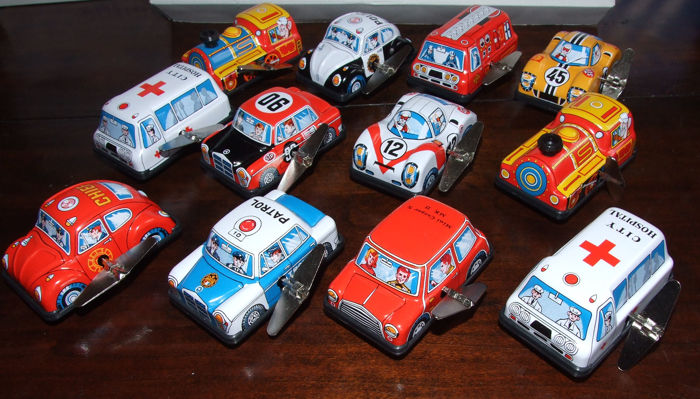 "Sanko, Japan - Length appr. 3.5""/8 cm - Lot with 12 Tin/plastic wind-up U-Turn Vehicles #5, 1970s"