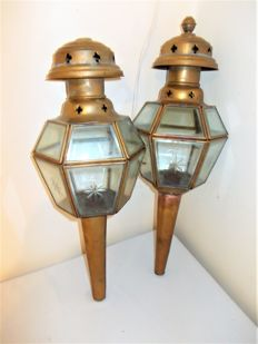 Two beautiful antique coach lamps of brass with cut glass, France, circa 1920