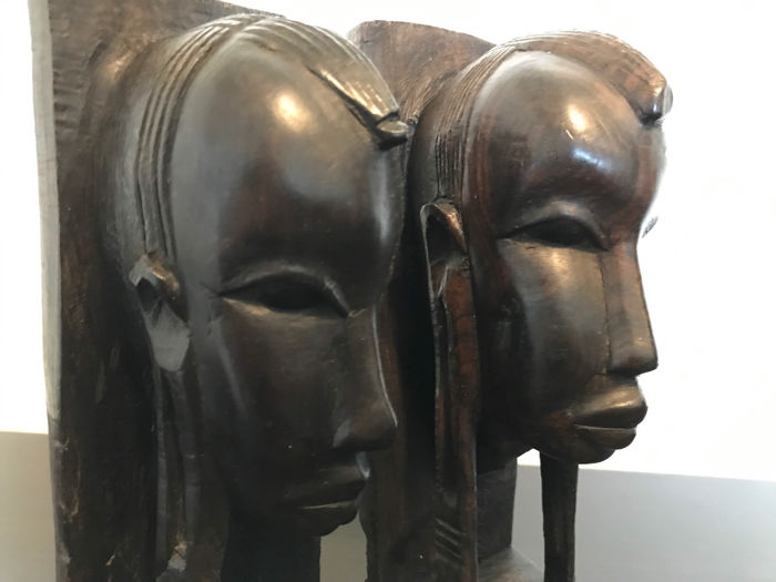 Set of two robust black ebony bookends - wood carving - Africa - Tanzania - second half 20th century.