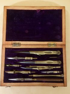 Wooden drawing set box - 1950