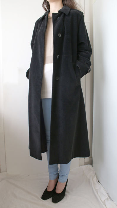 Aquascutum / Pescetto female trench coat, vintage style.
