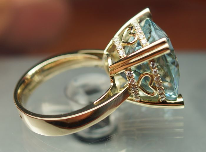 Gold Ring - 9.80 gr. with Rarity: Luxury Natural Greenish Blue Aquamarine - 14.46 сt. and Diamonds - 0.35 ct.