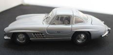 Franklin Mint - 1954 Mercedes-Benz 300 SL Gullwing- Silver - 1:24
