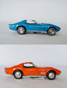 Franklin Mint - Scale 1/24 - 1968 Corvette 427 - blue & 1969 Corvette 427 - orange