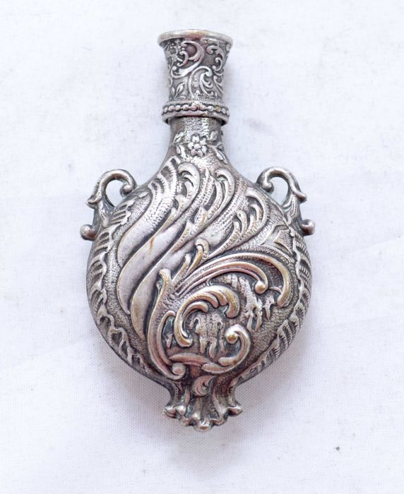 Silver plated - Filigree perfume bottle - Art Nouveau - France - 19th century