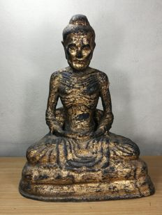 Bronze Gilt Emaciated Siddhartha, or 'Fasting sitting Buddha' statue - Thailand - 19th century