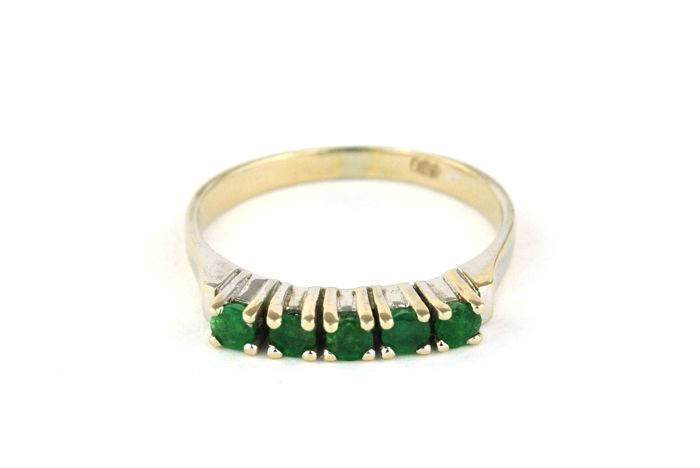 5 Emeralds set on 18k White Gold Ring - E.U Size 53 *Re-sizable  **No Reserve Price**