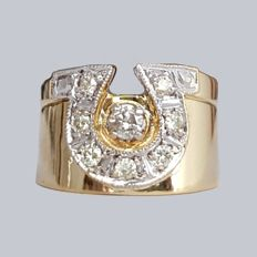 18 kt gold horseshoe ring with 0.44 ct of diamonds – Size: 17.8mm 16/56 (EU).