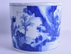 A modern blue and white brushpot - China - late 20th century