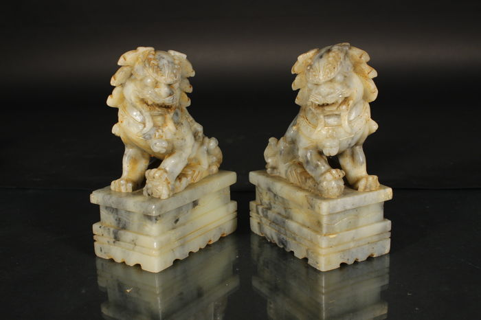 Pair of two hard stone bookends in the shape of Kylins - China - Mid 20th century