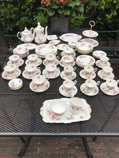 Royal Albert Lavender Rose tea and coffee set consisting of 75 pieces
