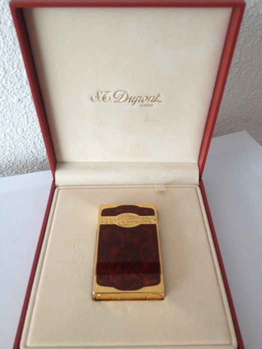 Lighter S.T. Dupont, Chinese lacquer and gold, 1999