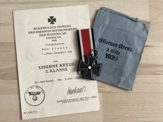 Iron Cross 2nd Class with award certificate and award bag and ribbon, manufacturer Karl Hensler, Iron Cross 1939