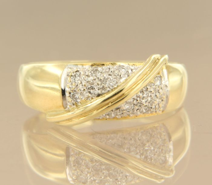 14 kt bi-colour gold ring set with 12 diamonds of approx. 0.16 ct in total, ring size 17.5 (55)
