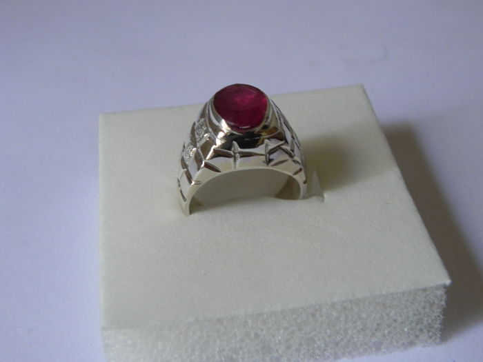 925 silver ring with ruby – Size 15