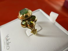 Gold ring with emeralds – 1930s
