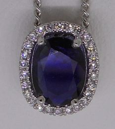 Elegant 18 kt white gold necklace & pendant set with blue sapphire and diamonds
