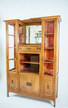 Buffet with mirror flanked by glass display cabinets - England, c. 1910