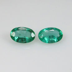 Emerald Pair - 0.88 Ct - No Reserve