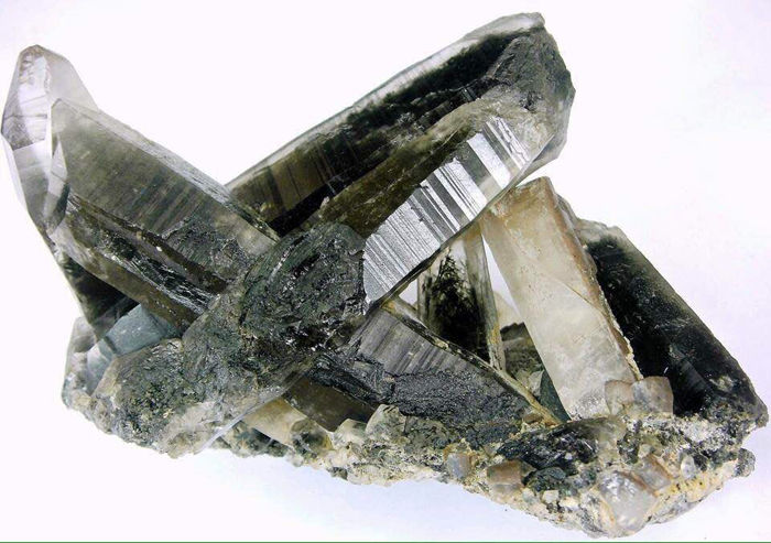 Aesthetic quartz crystals with Reibeckite crystal inclusions -  144 x 91 x 62mm  - 502 gm