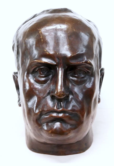 Bronze sculpture depicting Mussolini's head - 1940s
