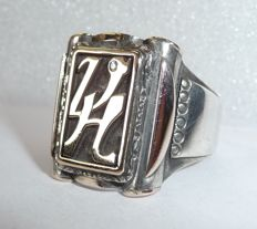 Antique men's ring with initials 'VH' / 'HV' (UH/HU) 900 silver with solid gold applique and diamond, circa 1900