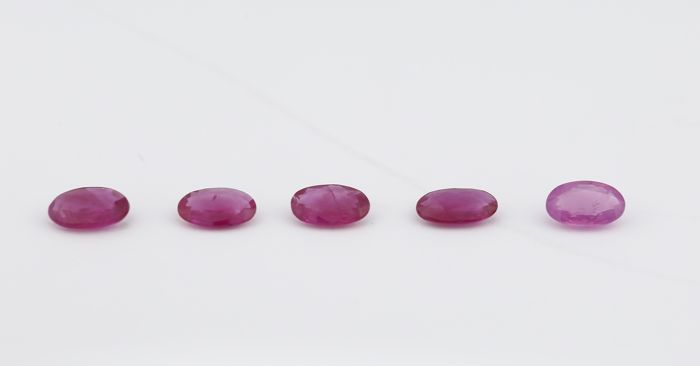 Set of 5 Rubies - 0.25 + 0.18 + 0.20 + 0.20 + 0.29  = 1.12 ct total - no reserve price