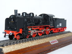 Märklin H0 - 3098.10 - Steam locomotive Series 38 with towed tender of the Deutsche Reichsbahn Gesellschaft (DRG), Series Sonderfahrt