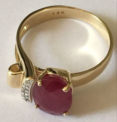 14KY Gold Ring  - Ruby   Ring size 7.5